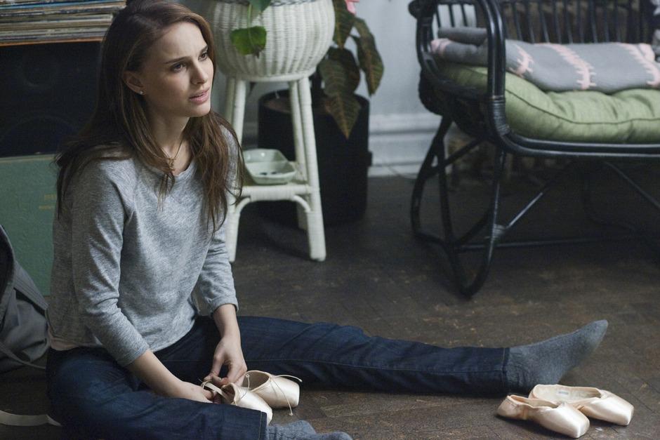 c1d711166c Prestem atenção nas sapatilhas da Natalie Portman.